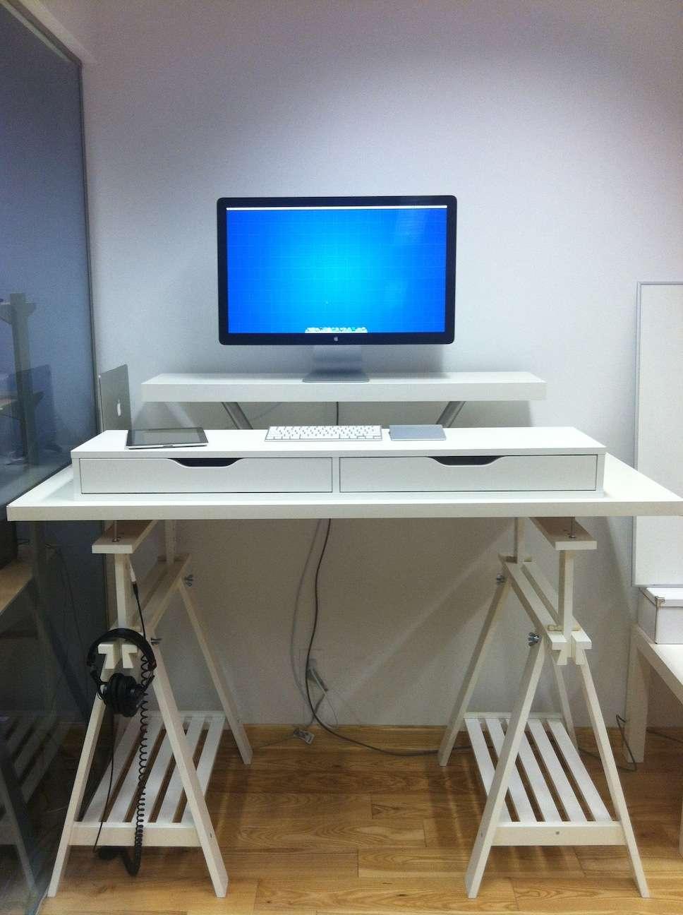 Fabriquer Un Bureau De Travail 4 astuces pour se fabriquer un bureau-debout à moindre coût